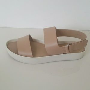 c9ab061136f Vince Shoes - Vince nude flats 8.5 39.5 marett two band platform